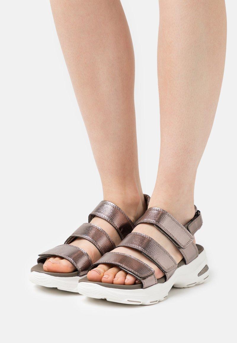 Skechers Sport - D'LITE ULTRA - Platform sandals - pewter metallic