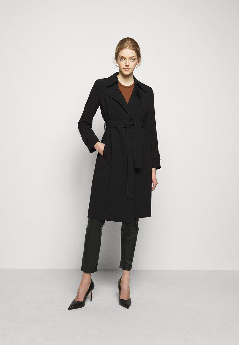 Theory - OAKLANE ADMIRAL - Klasický kabát - black