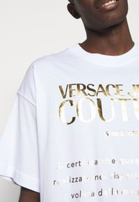 Versace Jeans Couture - MOUSE - Print T-shirt - white - 5