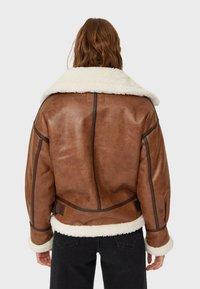 Stradivarius - Light jacket - brown - 3