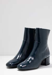 Pedro Miralles - Classic ankle boots - navy - 4