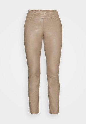COLETTE - Kalhoty - taupe
