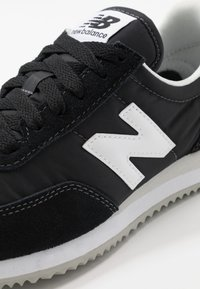 New Balance - 720 UNISEX - Trainers - black/white - 5