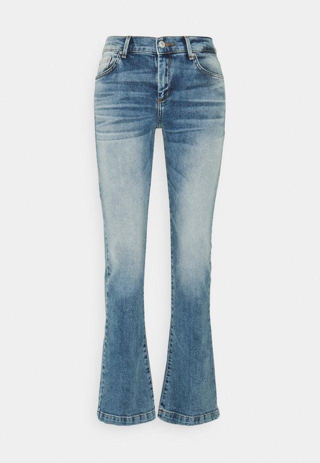FALLON - Jeans a zampa - gaura undamaged wash