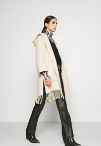 RIANI - Classic coat - marble - 5