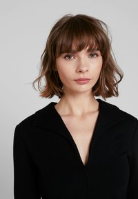 French Connection - RUTH LULA V NECK DRESS - Shift dress - black - 3