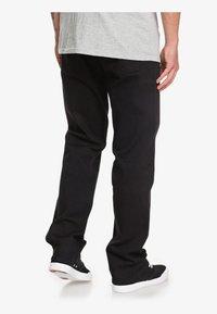 Quiksilver - SEQUEL - Straight leg jeans - black black - 2