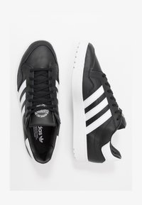 adidas Originals - TEAM COURT - Sneakers basse - core black/footwear white - 1