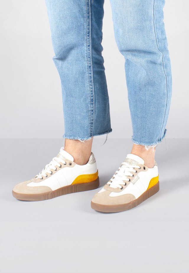 DINA MIX - Sneakersy niskie - rosa