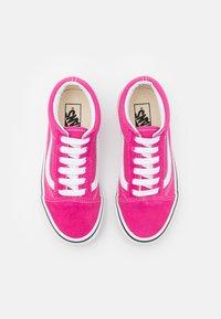 Vans - OLD SKOOL - Sneakers - fuchsia purple/true white - 3