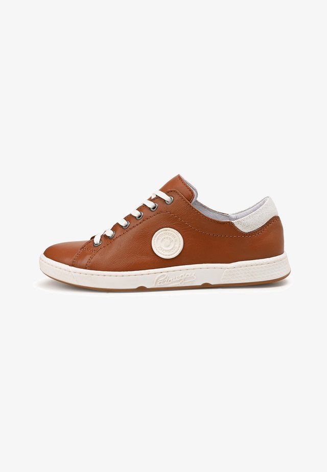 TRAINERS BASKET FEMME JAYO  - Trainers - camel