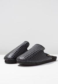 flip*flop - SLIPPER BRAIDED - Slippers - black - 4