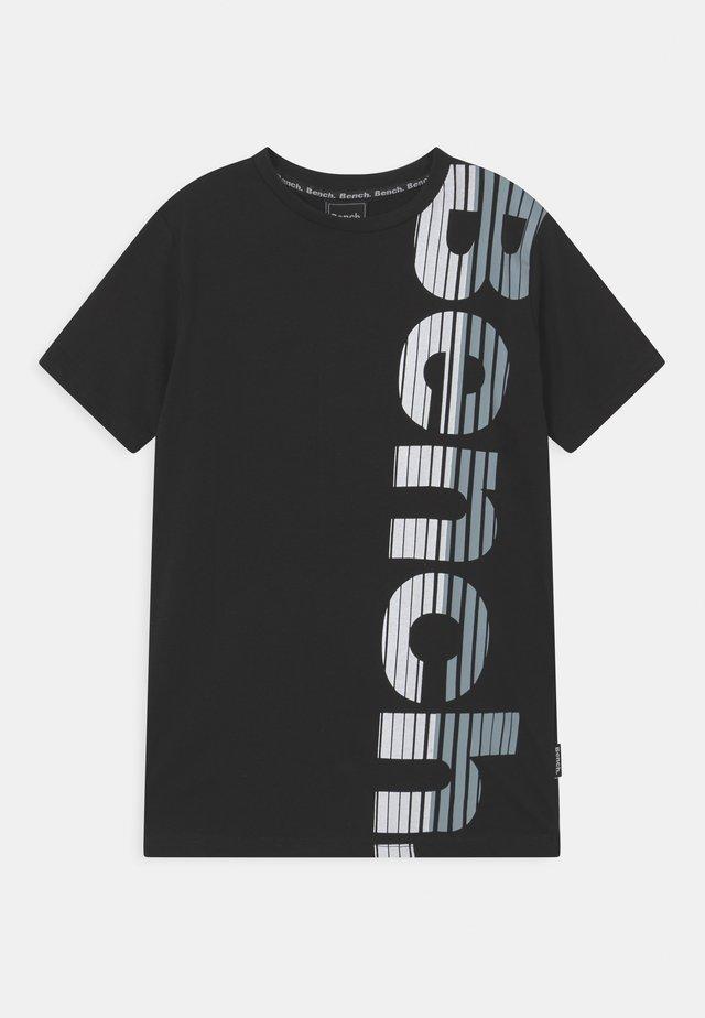 FAST - T-shirt med print - jet black