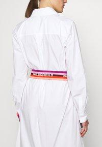 KARL LAGERFELD - STRIPE SHIRT DRESS - Shirt dress - white - 3