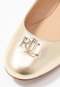 Lauren Ralph Lauren - METALLIC GISSELLE - Ballet pumps - pale gold - 2