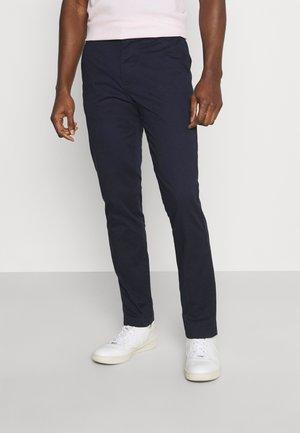 SLHSLIM DEREK PANTS  - Chino kalhoty - navy blazer