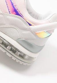 Mexx - ELANE - Sneakersy niskie - light grey - 2