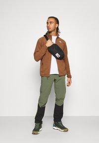 The North Face - GLACIER FULL ZIP - Fleece jacket - pinecone brown - 1