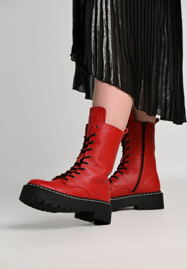 DIANA - Platform ankle boots - red/ white