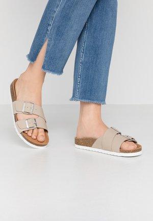 VMMILLA  - Slippers - silver