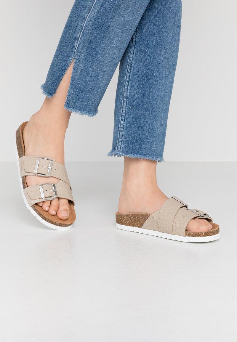 Vero Moda - VMMILLA  - Slippers - silver