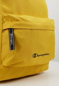 Champion - BACKPACK - Reppu - mustard yellow - 7