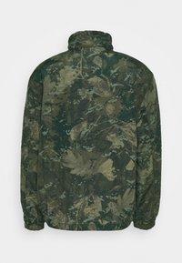 Carhartt WIP - DENBY REVERSIBLE JACKET - Summer jacket - camo combi/safety orange - 1