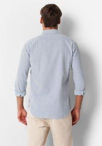 Scalpers - SCALPERS TEXTURED STRIPED SHIRT - Shirt - blue stripes - 2