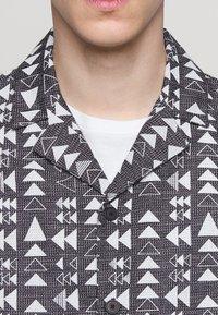 Folk - SOFT COLLAR - Shirt - white - 5