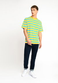 Urban Threads - OVERSIZED TEE UNISEX - T-shirts print - yellow - 1