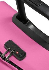 Eastpak - TRANVERZ - Wheeled suitcase - frisky pink - 4