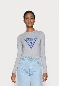 Guess - KUMIKO - Langærmede T-shirts - stone heather grey - 0
