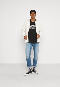 Cotton On - TBAR COLLABORATION TEE - Long sleeved top - black/nasa - space administration - 1
