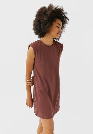 MIT SCHULTERPOLSTERN - Jersey dress - brown