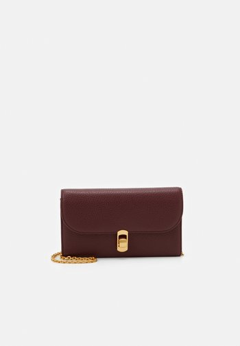 ZANIAH CHAIN CROSSBODY
