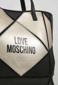 Love Moschino - Tote bag - nero - 8