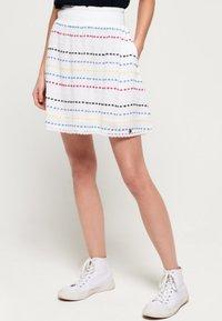 Superdry - GESMOKTER  - A-line skirt - white geo - 0