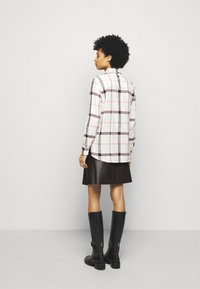 Barbour - WINTER OXER - Button-down blouse - cloud - 2