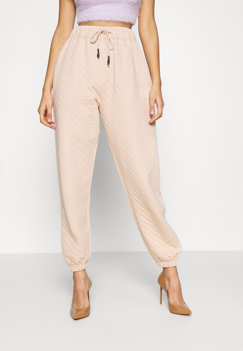 Missguided - QUILTED JOGGERS - Tracksuit bottoms - stone