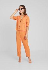 Fashion Union Petite - SAFFRON  - Trousers - orange - 2