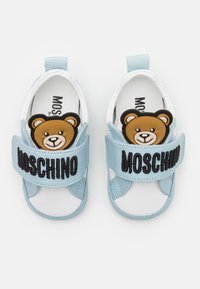 MOSCHINO - UNISEX - First shoes - white/light blue - 3