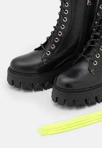Patrizia Pepe - Lace-up ankle boots - nero - 4