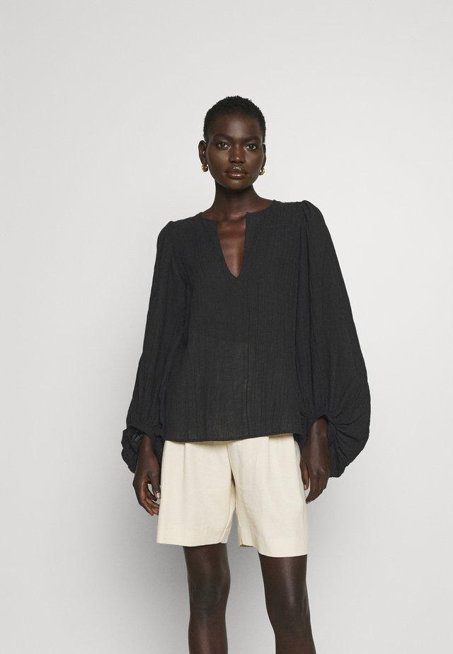 DAUSI - Blouse - black