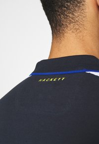 Hackett Aston Martin Racing - BLOCK PANEL - Polo shirt - navy/white - 4