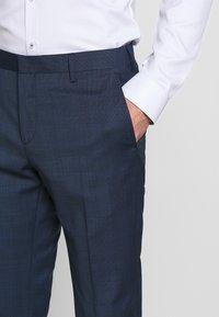 Tommy Hilfiger Tailored - PEAK LAPEL CHECK SUIT SLIM FIT - Oblek - blue - 8