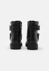 New Look - BUSY LACE UP CHUNKY - Cowboystøvletter - black - 3