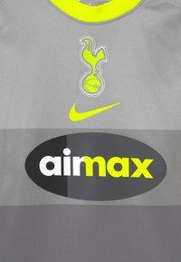 Nike Performance - TOTTENHAM HOTSPURS UNISEX - Klubové oblečení - medium silver/lemon - 2