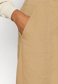 Who What Wear - CARROT LEG TROUSER - Kalhoty - khaki - 5