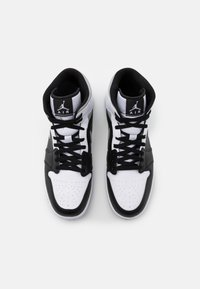 Jordan - AIR 1 MID - Korkeavartiset tennarit - black/light solar flare heather/white - 3