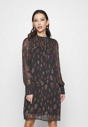 VMFANT SMOCK O-NECK DRESS  - Day dress - phantom